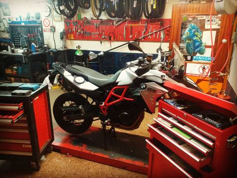 3402b-venda-reparacio-motos-macanet-3.jpeg